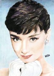 Audrey Hepburn by cherrymidnight