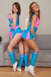 Cheerleaders by Hanzo-Hasashi