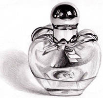 perfume bottle -.- by zenshinibuu