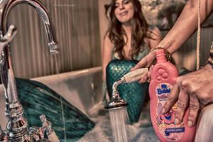 Mermaid Aiyana  Loves Mr Bubbles! by pendragon93
