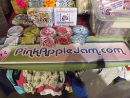 PinkAppleJam.com CAMCON Stall by Collioni69