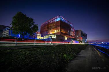 Warsaw Copernicus Science Center by RadekGalczynski