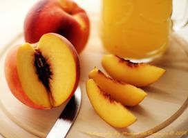 Peach.. by MeSHa3eL
