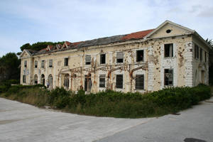 destroyed hotel area I by two-ladies-stocks