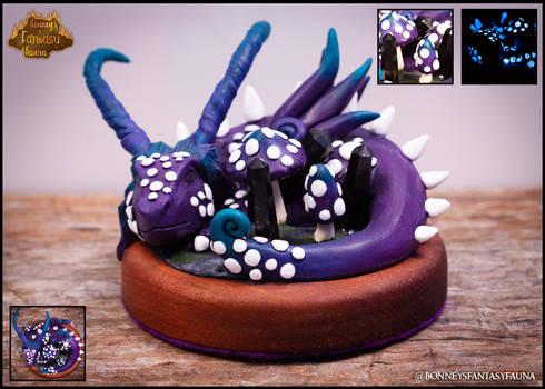 Nuummite Dragon by BonneysFantasyFauna