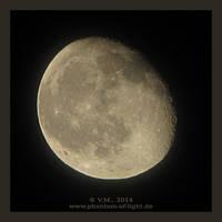 :: moon :: by Phantom-of-light