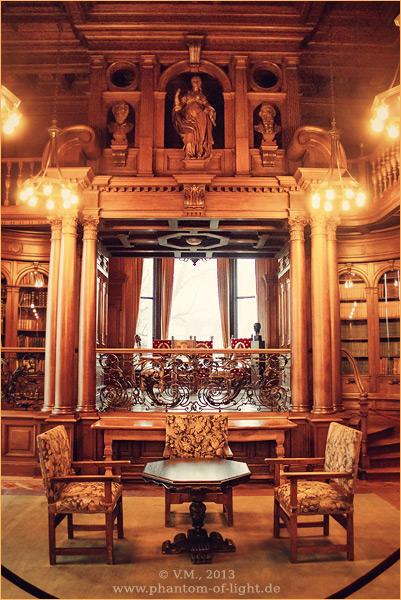 :: Bibliothek :: by Phantom-of-light