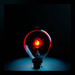 Red Bulb by AP3RTUR3