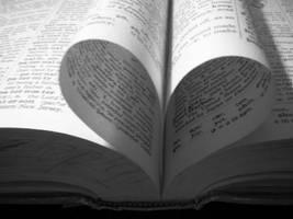 I heart books by echelonBABE