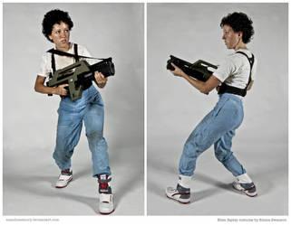 Costume: Ellen Ripley from Aliens by mandomemory