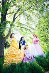 Royal beauties by GebGeb