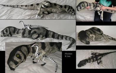Tarbosaurus-plushie by IsisMasshiro
