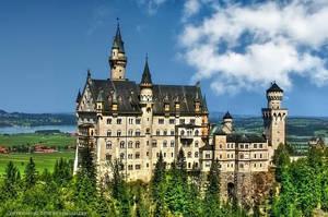Schloss Neuschwanstein Bayern by pingallery