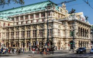 Vienna State Opera by pingallery