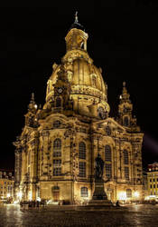 At night in Dresden by pingallery