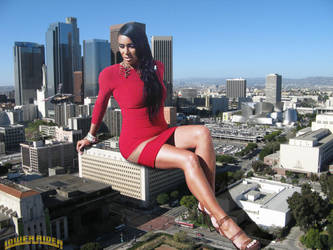 Giantess Laura Govan in Los Angeles by lowerrider