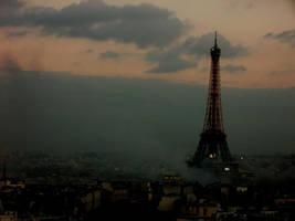 Paris - La Geante by Louchette