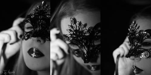 La Maschera by Ty-Angeliq