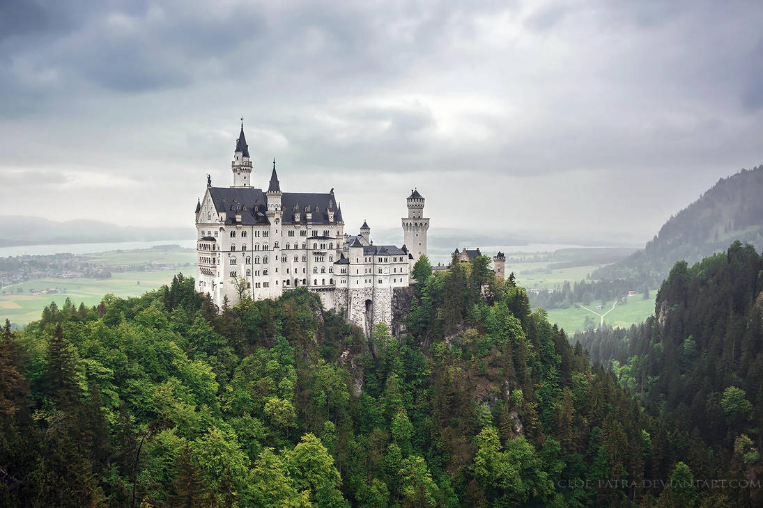 Neuschwanstein Castle by cloe-may