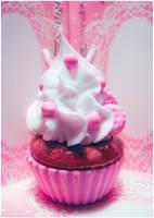 Strawberry Cupcake by SaraNekoChan