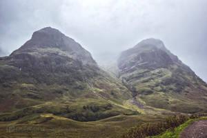 Scottish Peaks by Thubakabra