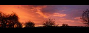 The sun rises by GabrielM1968