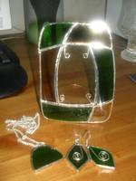 Glasswork frame by Riibu