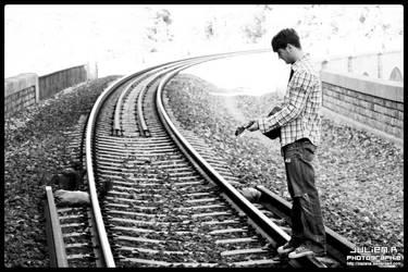 Attention au train by Zazaka