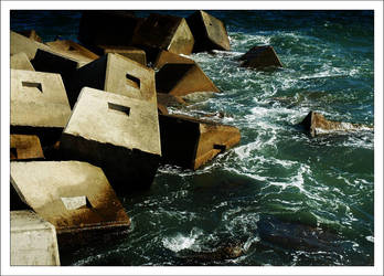 breaking the waves by LucoLukovitz