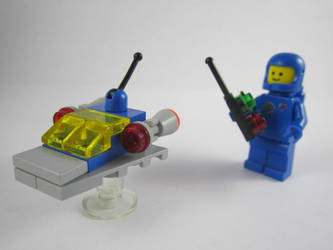 Toy Spaceship by V0JELLY