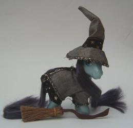OOAK Granny Weatherwax Pony by eponyart
