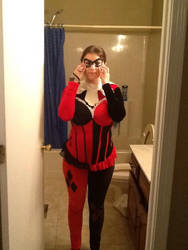 Harley Quinn Cosplay w/o makeup and w/o cowl by Shayminleafeon937