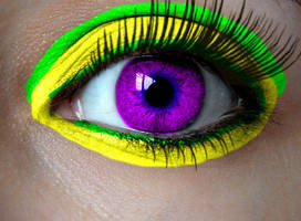 creepy purple eye by qwerty5678