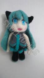 Needle-felt Hatsune Miku by Skullydolls aka Jenmar by waterseasun3