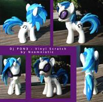 DJ Pon3 Vinyl Scratch by Nsomniotic