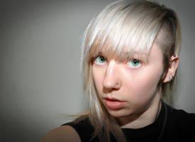Silver Hair by 0-Circus-Freak-0