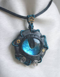 steampunky eye pendant by zebrrra