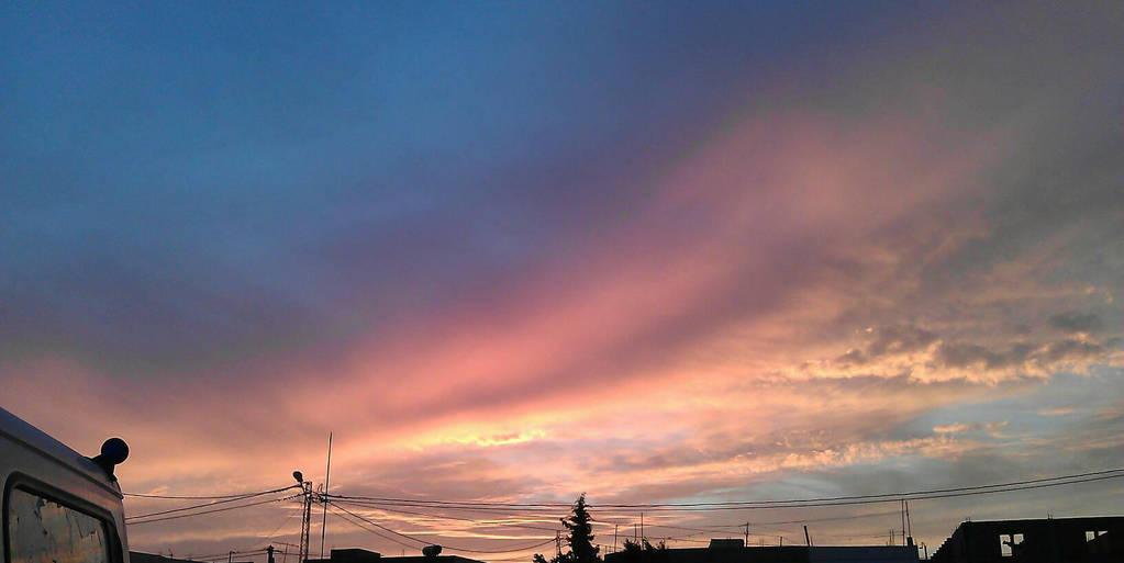 pinnnnnnnnnnky sky by khxoxo