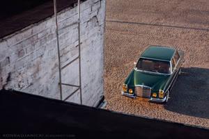 Mercedes Benz W109 by KonradJanicki
