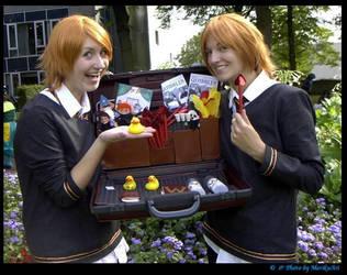 Fred and George Weasley by MarikuArt