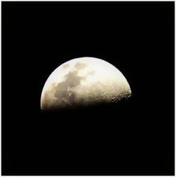Moon by xsleepingswanx