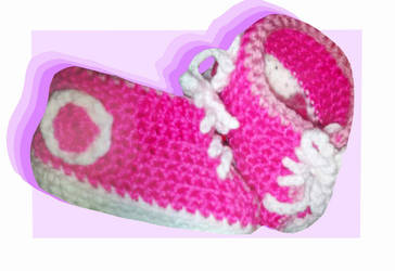 Crochet Converse Baby Shoes by ConnersCrochet