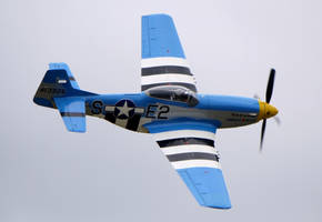 North American P-51D Flyby Olympia by shelbs2