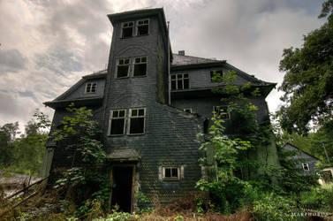 Walkers Home 5472 by Frostschock