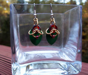 Holly-inspired chainmaille earrings by SilveredGriffin
