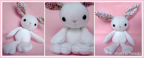 White Bunny by LoRi-La-Tortuga