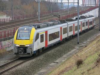 Haren-Zuid 250117 AM08 Desiro-ML 08136 on S2 3662 by kanyiko