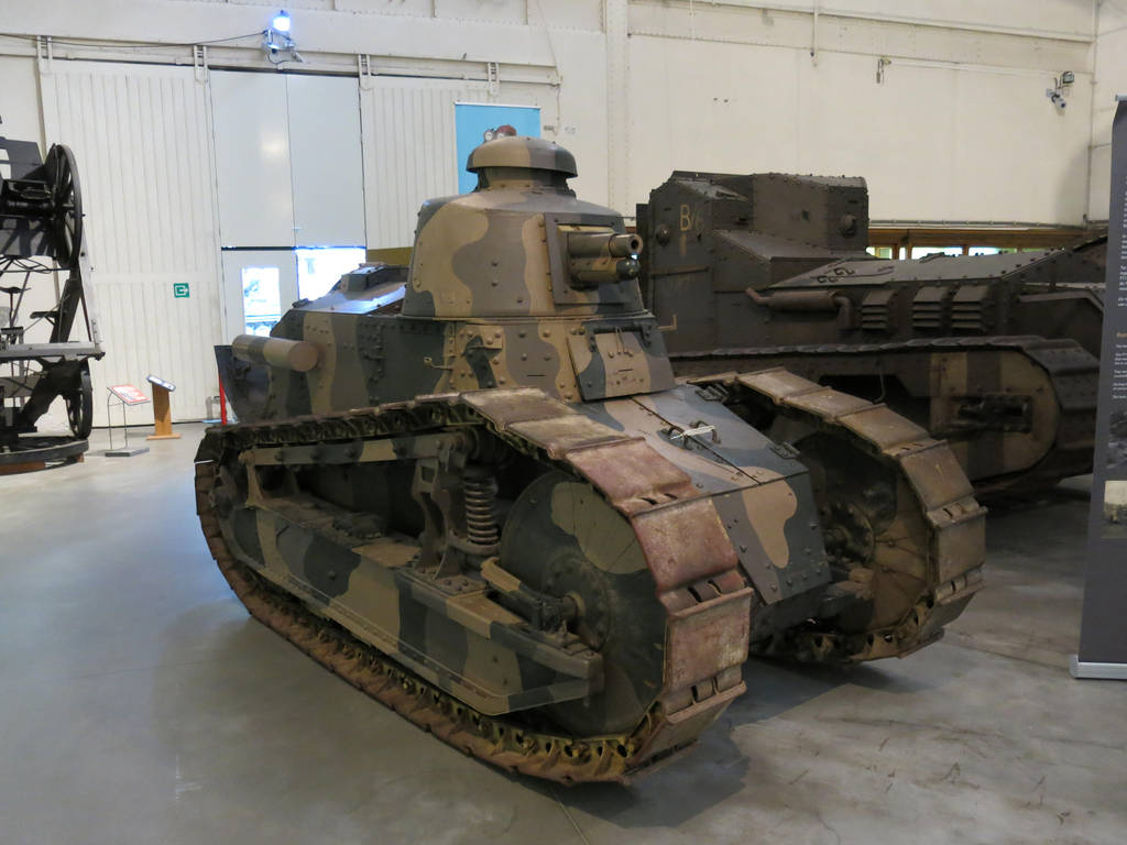 Renault FT Char Canon by kanyiko