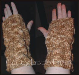 Cabled Arm-warmers by craftylittlefingers