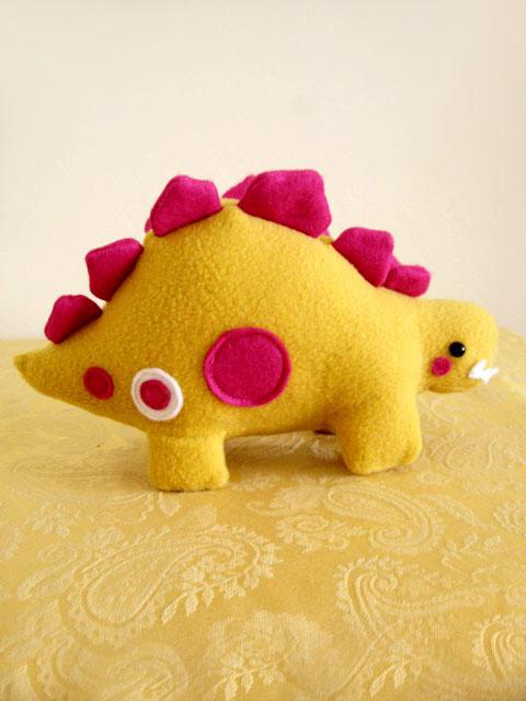 Percy the Mustard Stegosaurus by casscc